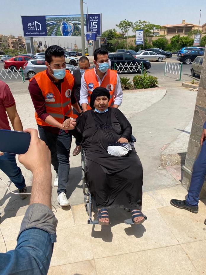 Actress Fatima Koshary during her transfer to the hospital for surgery to correct her health condition