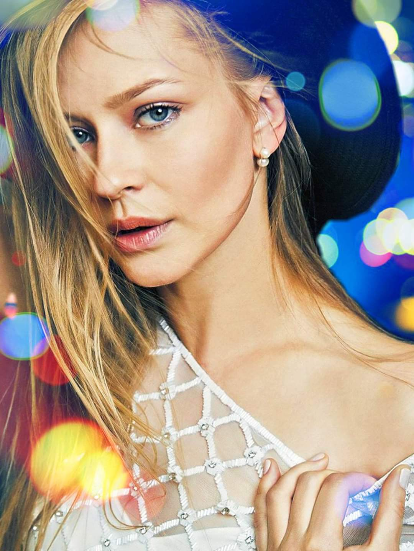 الممثلة الروسية يوليا بيريسيلد-الصورة من صفحتها على الفيسبوك