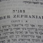 Solicita una exposición bíblica multilingue para tu lugar