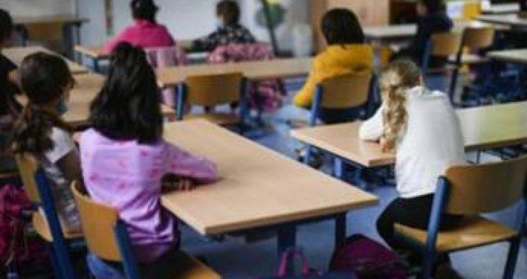 """Coronavirus, """"bambini si infettano meno a scuola che a casa"""": studio italiano"""