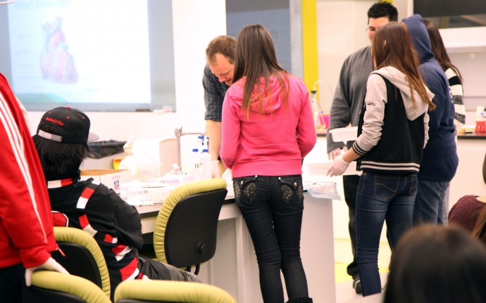 First Nations visit Youth BIOLab