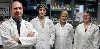 Albensi lab group photo