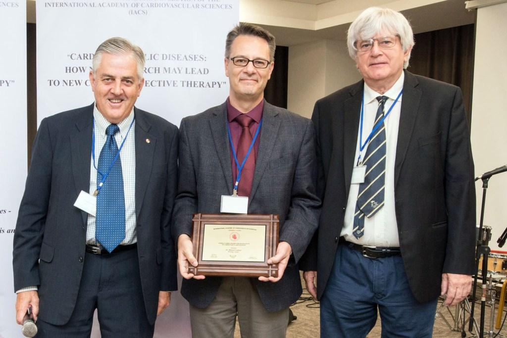 Dr. Czubryt receives award