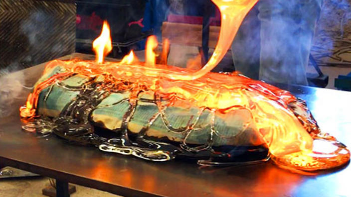 Cooking fish with molten glass is the latest viral food