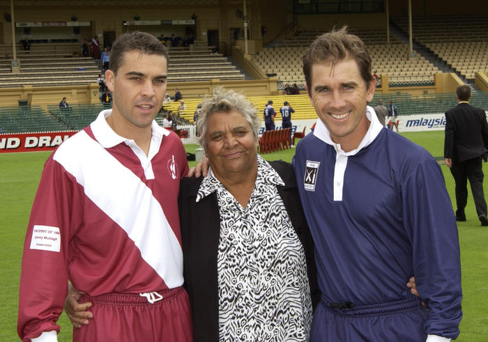 Adelaide, March 21, 2003. (L-R) Matthew Bradley, Mrs Faith Thomas and Justin Langer before the start of the Day/Night match between Prime Minister's X1 v ATSIC Chairmans X1 played at the Adelaide Oval. (AAP Image/Tom Miletic) NO ARCHIVING