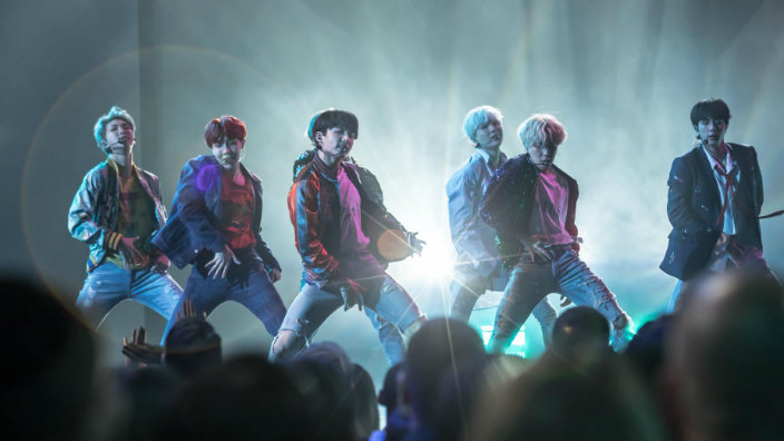 Hd Wallpaper App For Pc Agreed Rolling Stone Says Bts Stage Was One Of The Amas