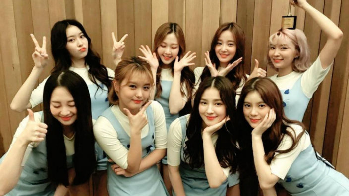 Football Girls Team Wallpaper Momoland Are Working With A New Producer Sbs Popasia