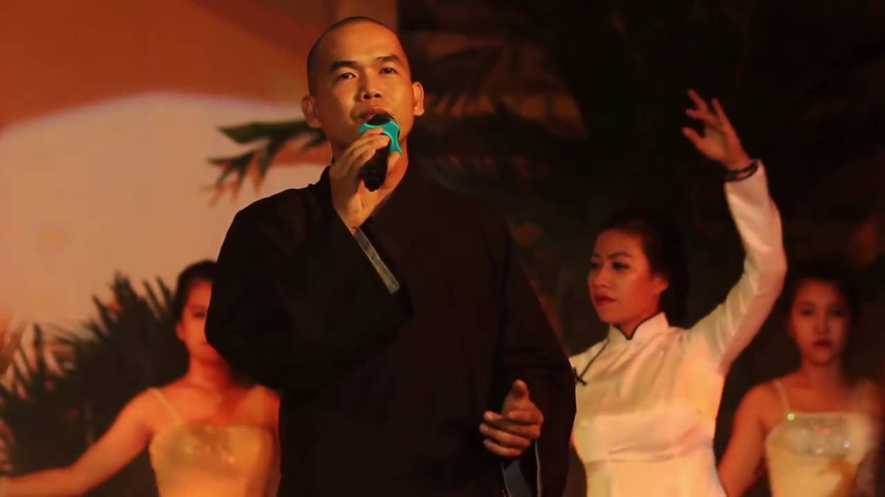 Tổ chức Phật giáo quốc doanh siết chặt 'quản lý' sau vụ nhà sư hát thánh ca