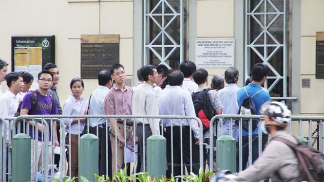 Tòa Lãnh Sự Hoa Kỳ ở Sài Gòn nói không có thay đổi về cấp thị thực cho người Việt