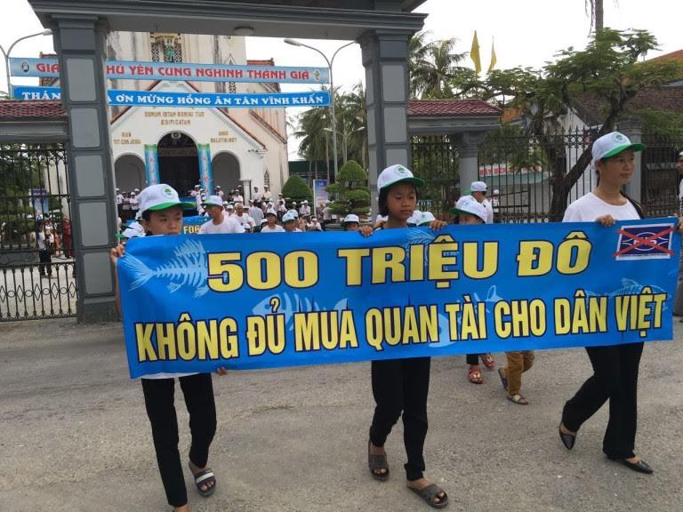 """Giáo dân xứ Dũ Yên trả lời lệnh khởi tố những người biểu tình: """"hãy bắt tất cả những người dân nơi đây…"""""""