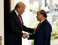 Trump meets Vietnam's Prime Minister Nguyen Xuan Phuc in Washington