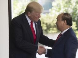 Donald+Trump+Hosts+Vietnamese+Prime+Minister+JwaB-AEP_zZl