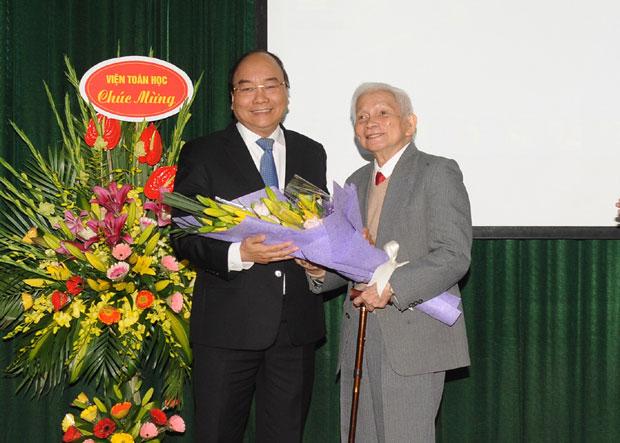 Thủ tướng CSVN 'ra lệnh' Viện Toán Học tìm công thức tăng sản lượng