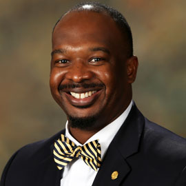 Outstanding Black Alumnus: Akil Ross - UofSC News & Events | University of  South Carolina