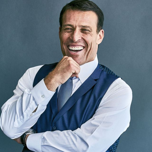 tony robbins - 10 Ways To Make Money Online For Total Beginners