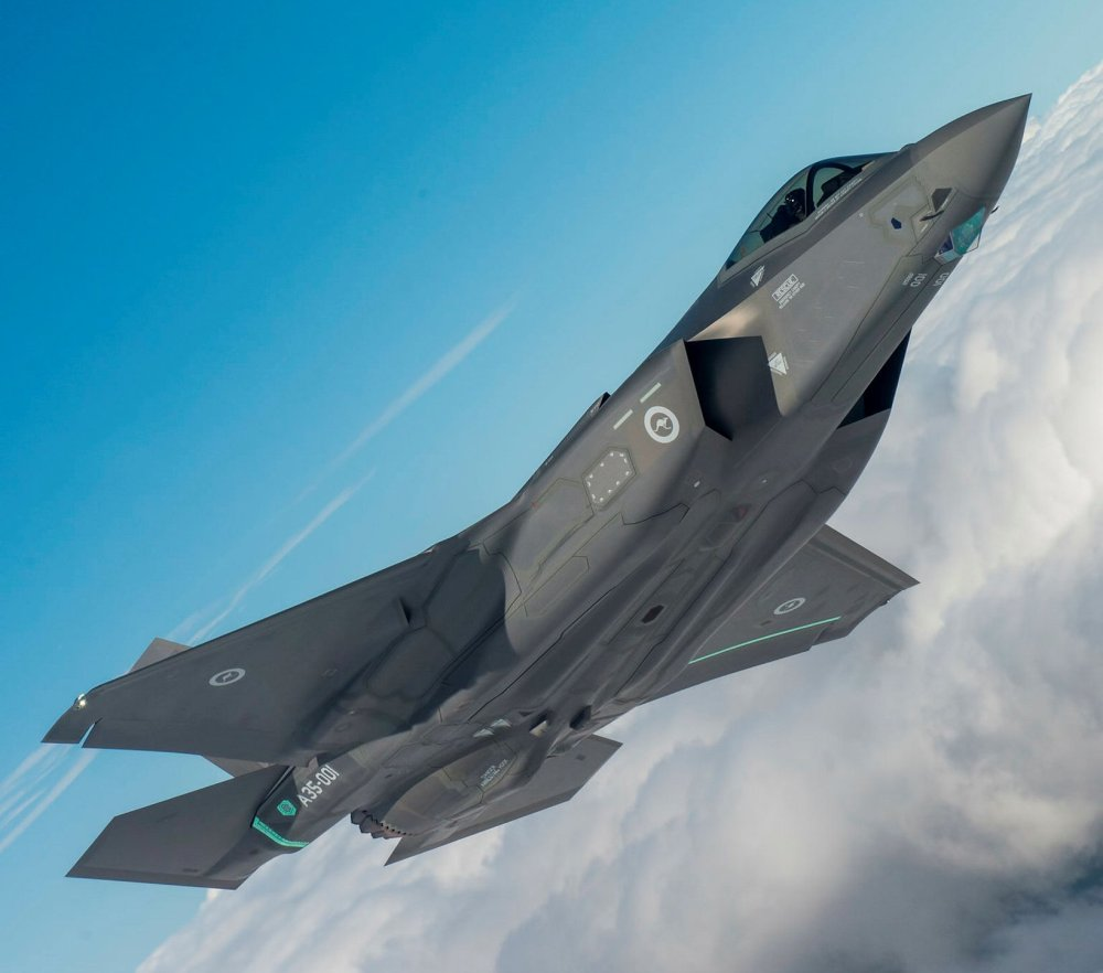 medium resolution of the f 35a lightning ii will provide for australia s future air combat and strike needs australia has committed to 72 f 35a aircraft for three operational