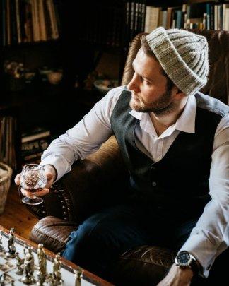 Men's scarves, hats and gloves