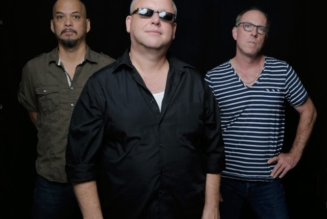 "Videoclip: Pixies – ""Greens and Blues"""