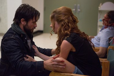 Jason (Justin Chatwin) and Joey (Alexis Knapp) in URGE.