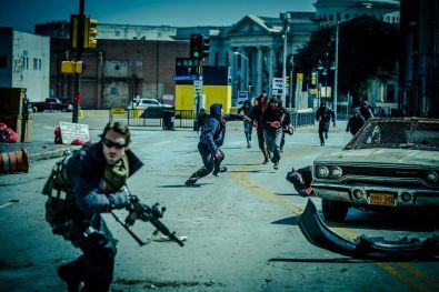 Daylight's End - Johnny Strong Thomas Rourke Zombie Horde