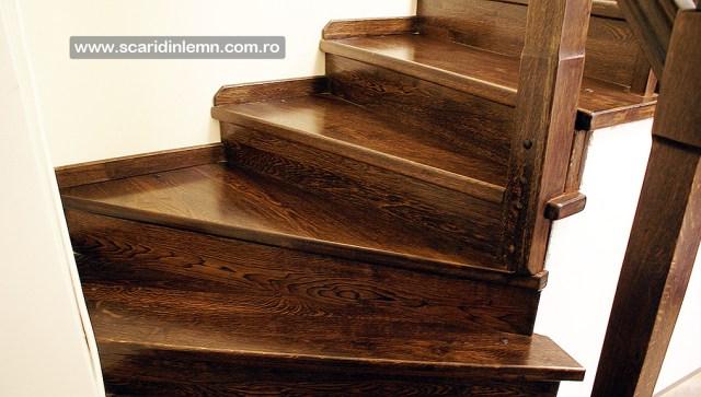 scara interioara cu trepte de lemn masiv placate balustrada scara si balustrii