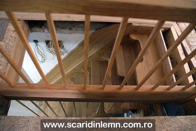 scara interioara din lemn masiv, economica cu trepte pas conditionat
