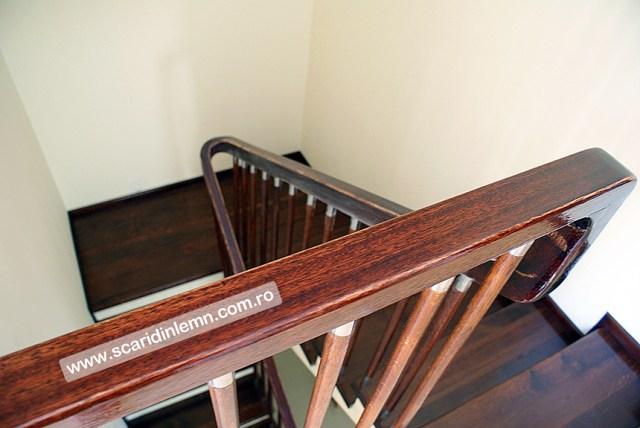scara interioara din lemn balustrii cu terminatii de inox si placare trepte de lemn masiv preturi proiectare