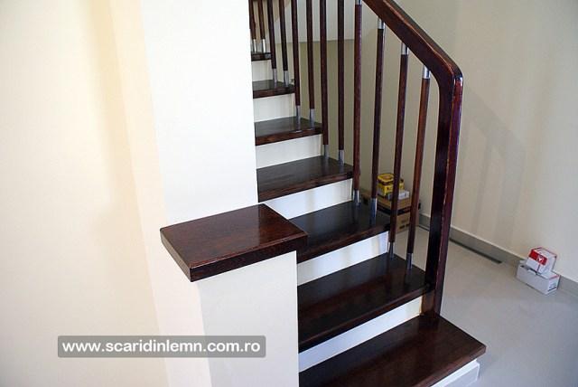 scara din lemn interioara trepte placate de lemn masiv balustrii inox balustrada preturi design