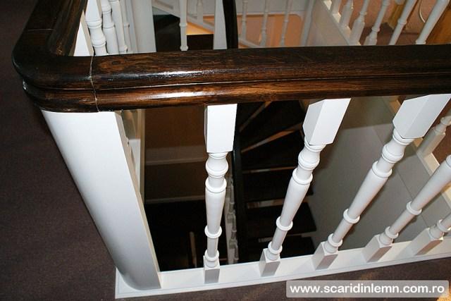 Scara interioara de lemn cu trepte de beton placat cu lemn, mana curenta continuua din lemn curbat, vang modular, pret promotional