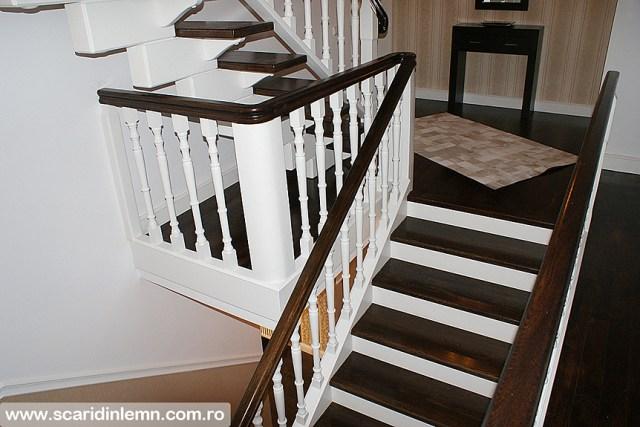 Scara interioara de lemn masiv placare trepte de lemn cu mana curenta curbare lemn vang modular design proiectare pret