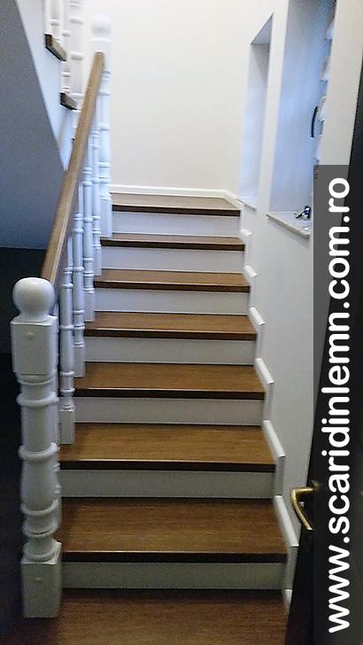 Scara interioara lemn masiv balustri strunjiti trepte placate