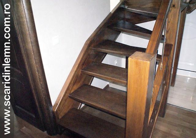 Scara combinata, trepte in evantai, drepte, cu pas conditionat, economica, pentru orice spatiu