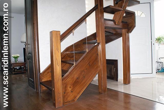 Scara combinata, trepte in evantai, drepte, cu pas conditionat, economica, solutie pentru orice spatiu