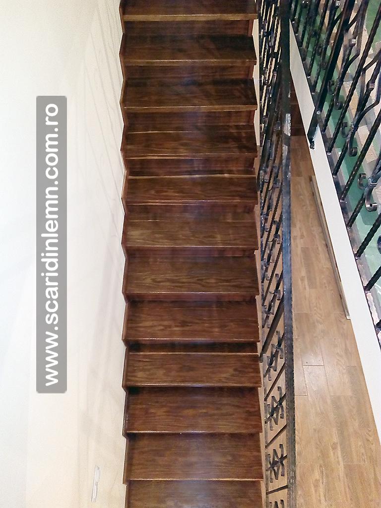 trepte-lemn-masiv-din-stejar-imbatrinite-placate-pe-scara-din-beton_img_20160913_061919