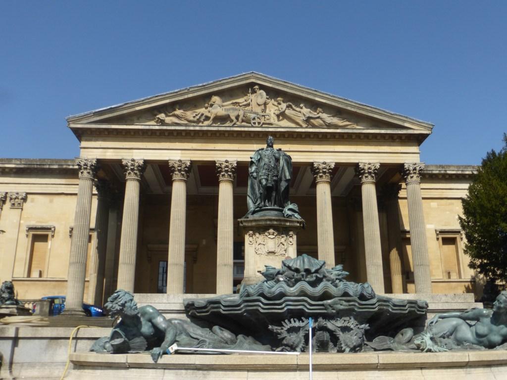 photo walk through Bristol: historic buildings