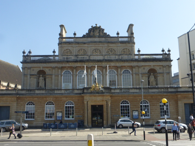 photo walk through Bristol: grand buildings