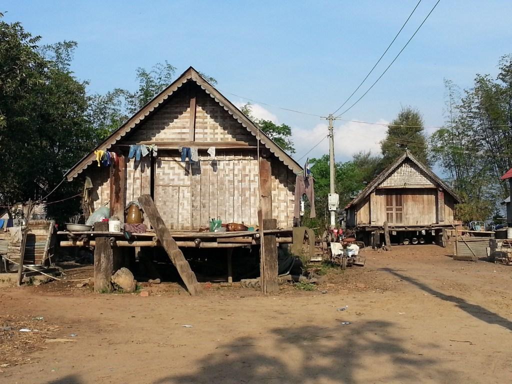 Lak Lake longhouses