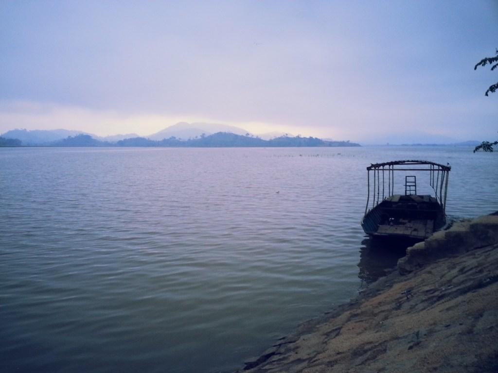 Lak Lake dawn