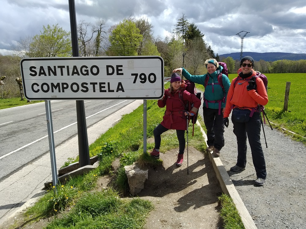 3 friends at the start of the Camino de Santiago