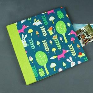 Großes hellgrün blau bunt gemustertes Kinderfotoalbum