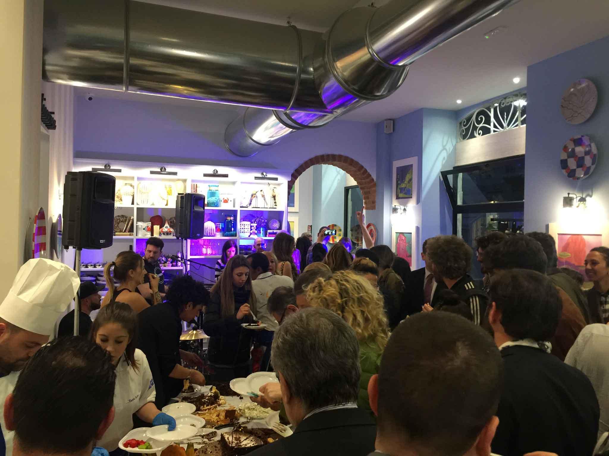 Milano La guida ai ristoranti e ai locali aperti e chiusi a Ferragosto