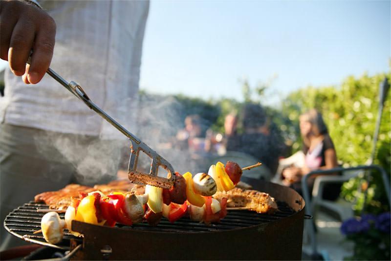 Consigli per il barbecue da giardino e grigliate estive
