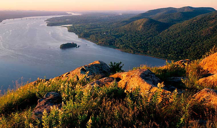 Upstate New York Fall Hd Wallpaper Esty Amp Hellie Stowell Trailhead At Storm King Mountain