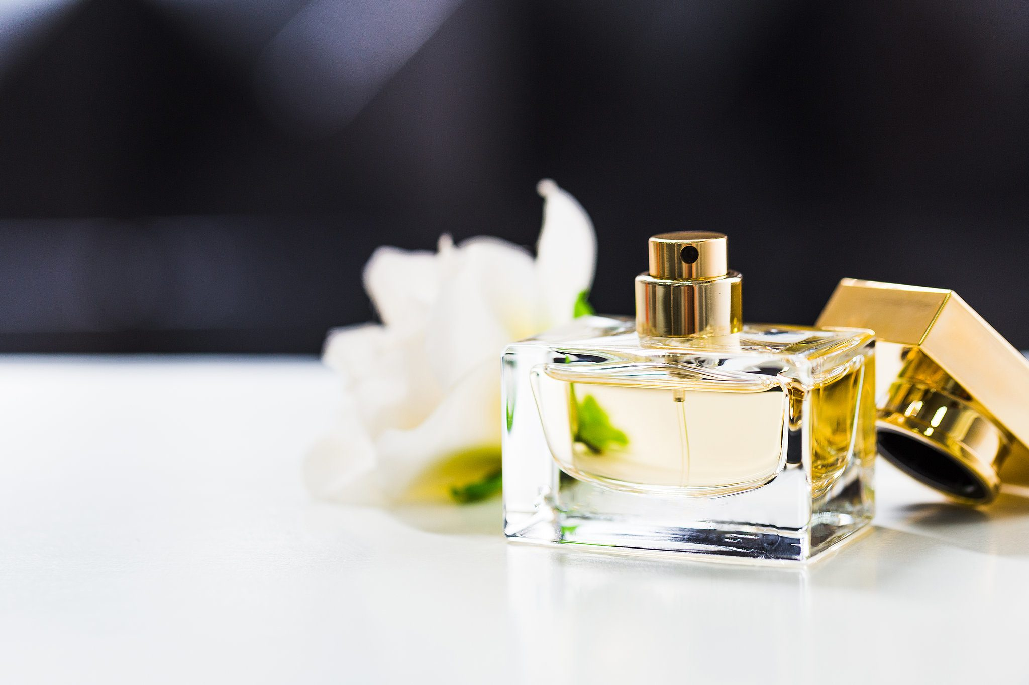 Finding Your Perfect Match, With A Fragrance: Tinder Rules For Dating Perfumes