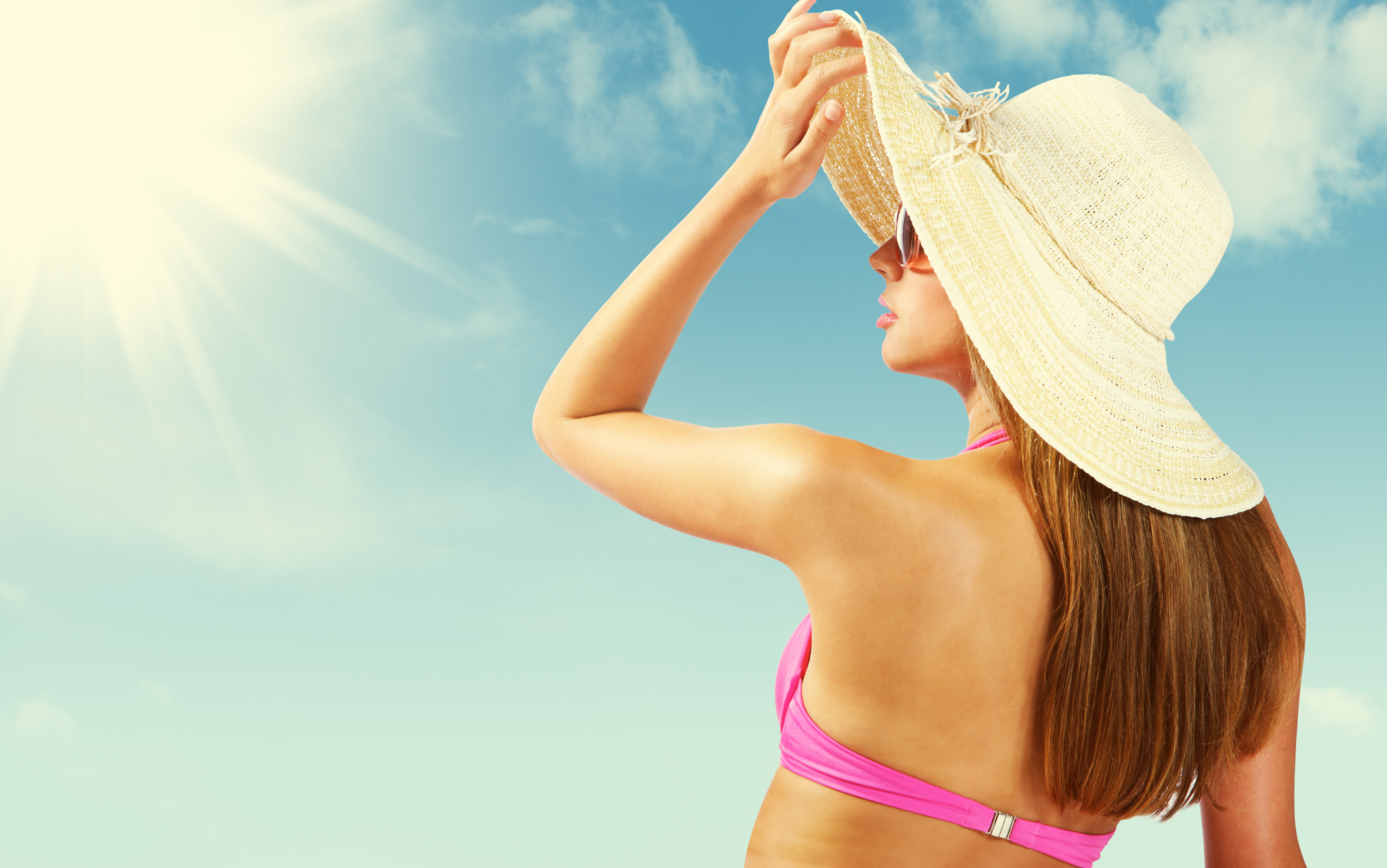 Right VS Wrong Application: How to Wear Perfume in the Summer
