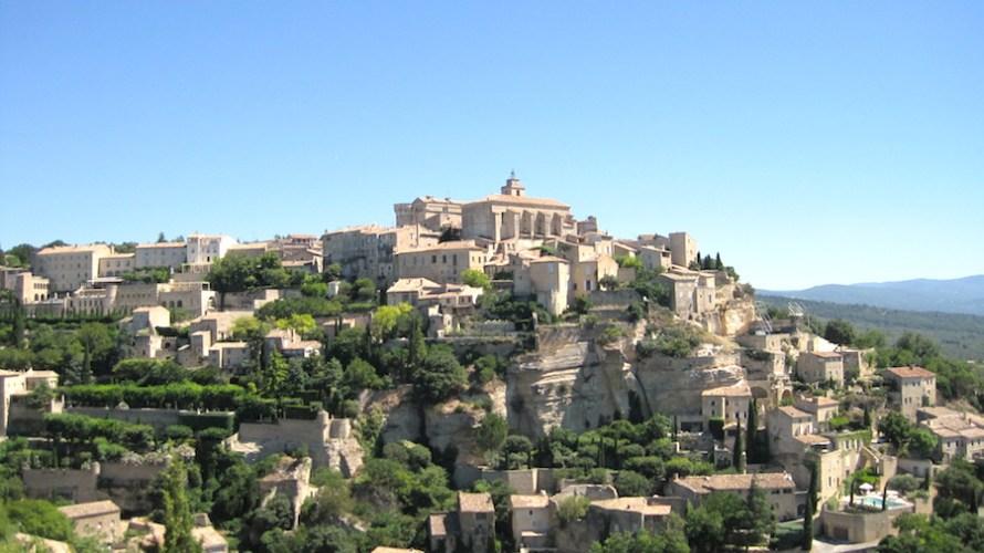 【フランス】プロヴァンスで最も美しく有名な村ゴルド(Gordes)へはアヴィニョン経由で