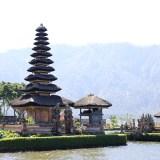 【バリ島】湖上の寺院「ウルン・ダヌ・ブラタン寺院」と世界遺産のバトゥール湖