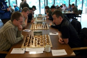 Hier entbrannte sich ein äußerst spannender Kampf, den letztlich TSG mit 3,5 zu 0,5 gegen Chemie Weißensee gewann.