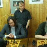 Philippe Vu beim Kiebitzen; Sitzend ein eher selteneres Gesicht: unser Ralph Harich!