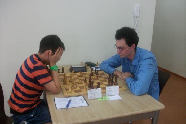 Die Jungtalente sehen gegen einen Spieler in der Regel alt aus, sowohl Jirawat Wierzbicki, als auch Mert Acikel verloren beide gegen Pascal Bieg.